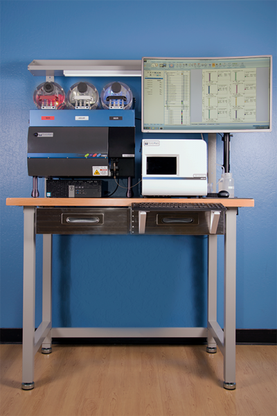 Front View of Stratedigm StrateBench Table with S1000Exi and A600 High Throughput Auto Sampler (HTAS)