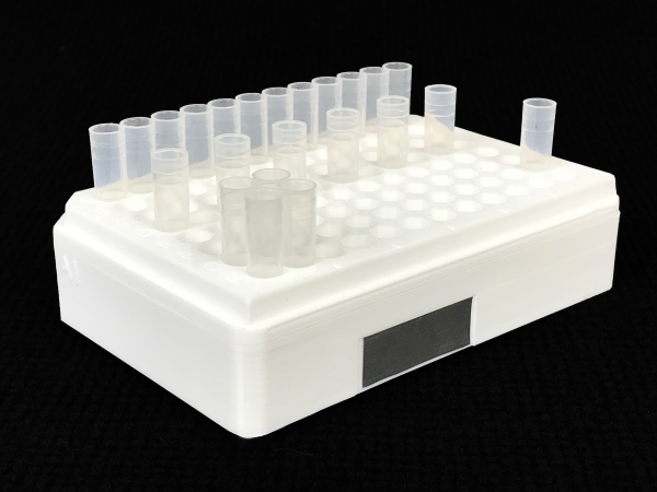 Flow cytometer cluster tube holder