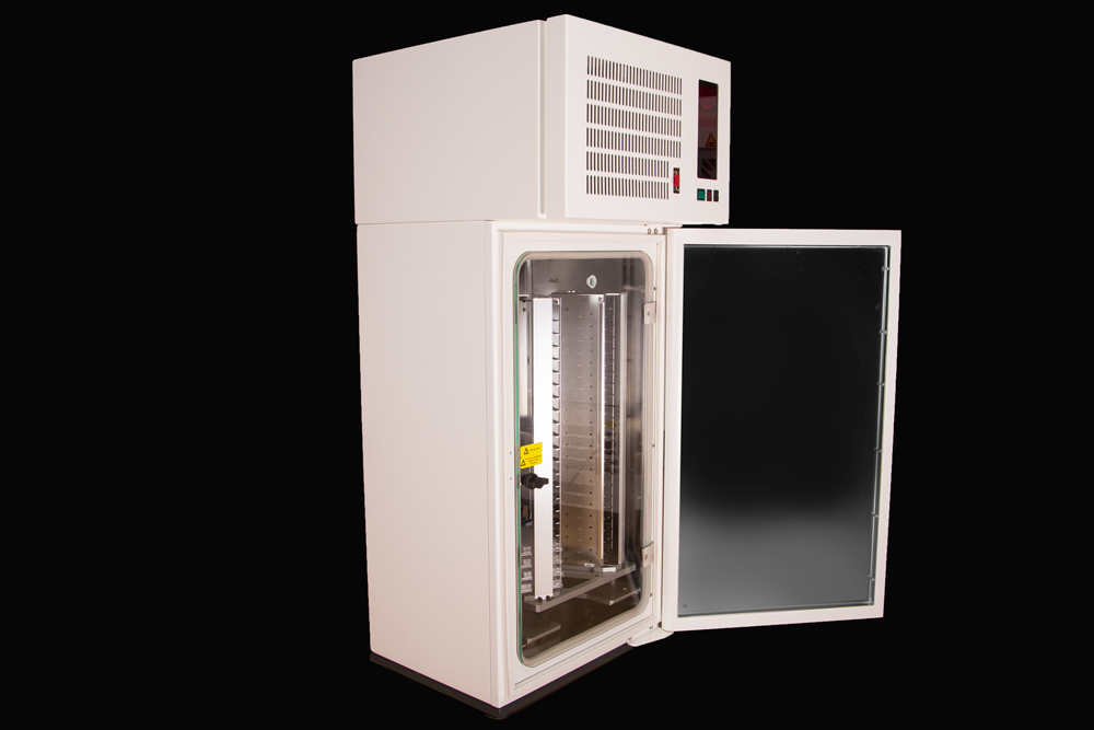 Left Angle Door Open View of Stratedigm A800 Cell Incubator (CI) Benchtop Model for Flow Cytometry